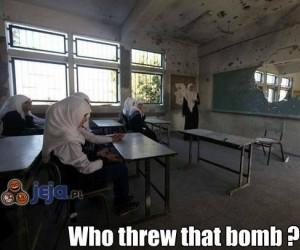 Mówiłam - nie nosić bomb do szkoły