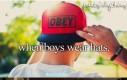 Gdy chłopcy noszą czapki