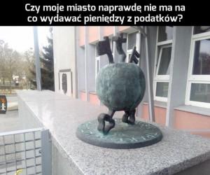Kolejny dziwny pomnik