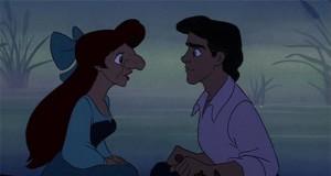 Romantyczna scena z równoległego Disneya