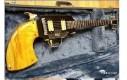 Pomysłowo ozdobione gitary