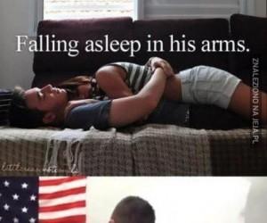 Zasypiając w jego ramionach