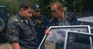 Sprytny przestępca czy głupi policjanci?