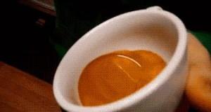 Jak powstają wzorki na kawie...