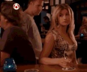 Jak zwolnić sobie miejsce przy barze