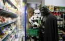 Vader też musi robić zakupy