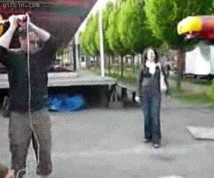 Chciał zaimponować dziewczynie