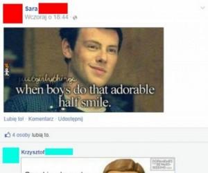 Ten połowiczny uśmiech...