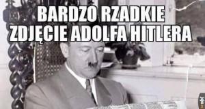 Hitler czytający gazetę