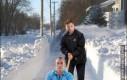 Śnieg sam schodzi z drogi ze strachu