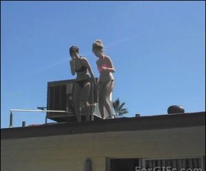 Dziewczyny i skok z dachu...