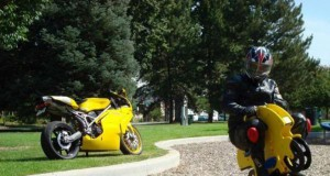 Ostra jazda na motorze