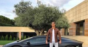 Ronaldo ma nową furę, internet reaguje