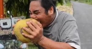 Tak się obiera kokosy!