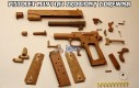 Pistolet M1911A1 zrobiony z drewna