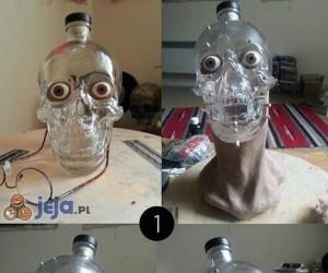 Butelka po wódce zmieniona w rzeźbę