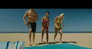 Koc na plażę, który przepuszcza piasek