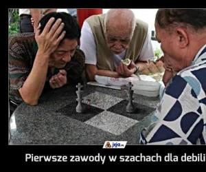 Pierwsze zawody w szachach dla debili