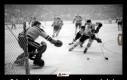 Ochraniacz krocza wprowadzono w hokeju w 1874 roku, kaski w 1974