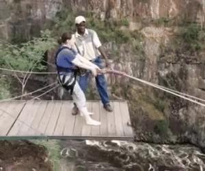 Ekstremalny skok z klifu