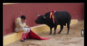 Zdjęcie przestawia matadora Torero Alvaro Munera