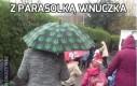 Z parasolką wnuczka