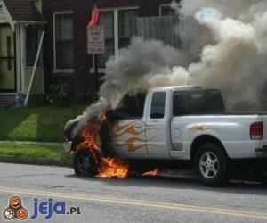 Płomienne auto