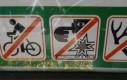 Zakaz wkładania palca do ucha pod groźbą wybuchu
