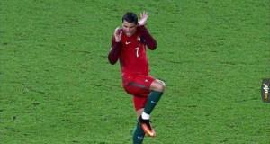 Ronaldo przestraszył się piłki