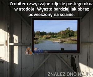 Obraz w stodole