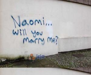 Naomi, wyjdziesz za mnie?