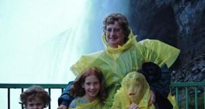 Takie tam przy wodospadzie