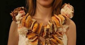 Naszyjnik z burgerów