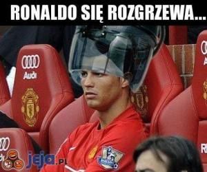 Ronaldo się rozgrzewa