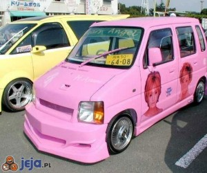 Samochód dla blondynki