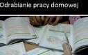 Odrabianie pracy domowej w szkole