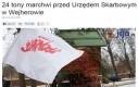 24 tony marchwi przed Urzędem Skarbowym w Wejherowie