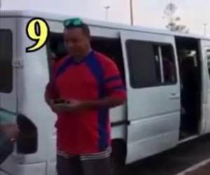 Zagadka: Ilu imigrantów pomieści jeden bus?