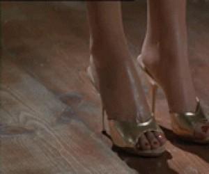 Lubicie dziewczyny z długimi nogami?