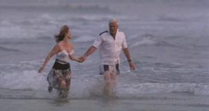 Ach, te romantyczne spacery nad morzem...