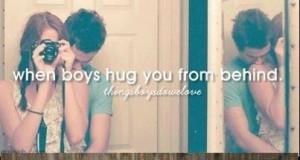 Kiedy przytulają od tyłu
