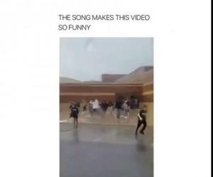 Ta muzyka czyni filmik zabawnym