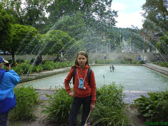 Przy fontannie w Krynicy.