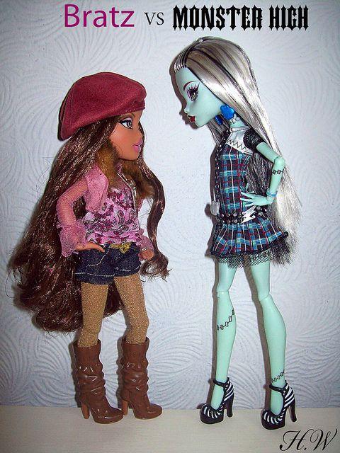 Bratz vs Monster High
