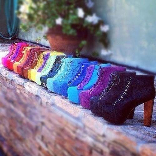 Moje buty i przyjacółki :D